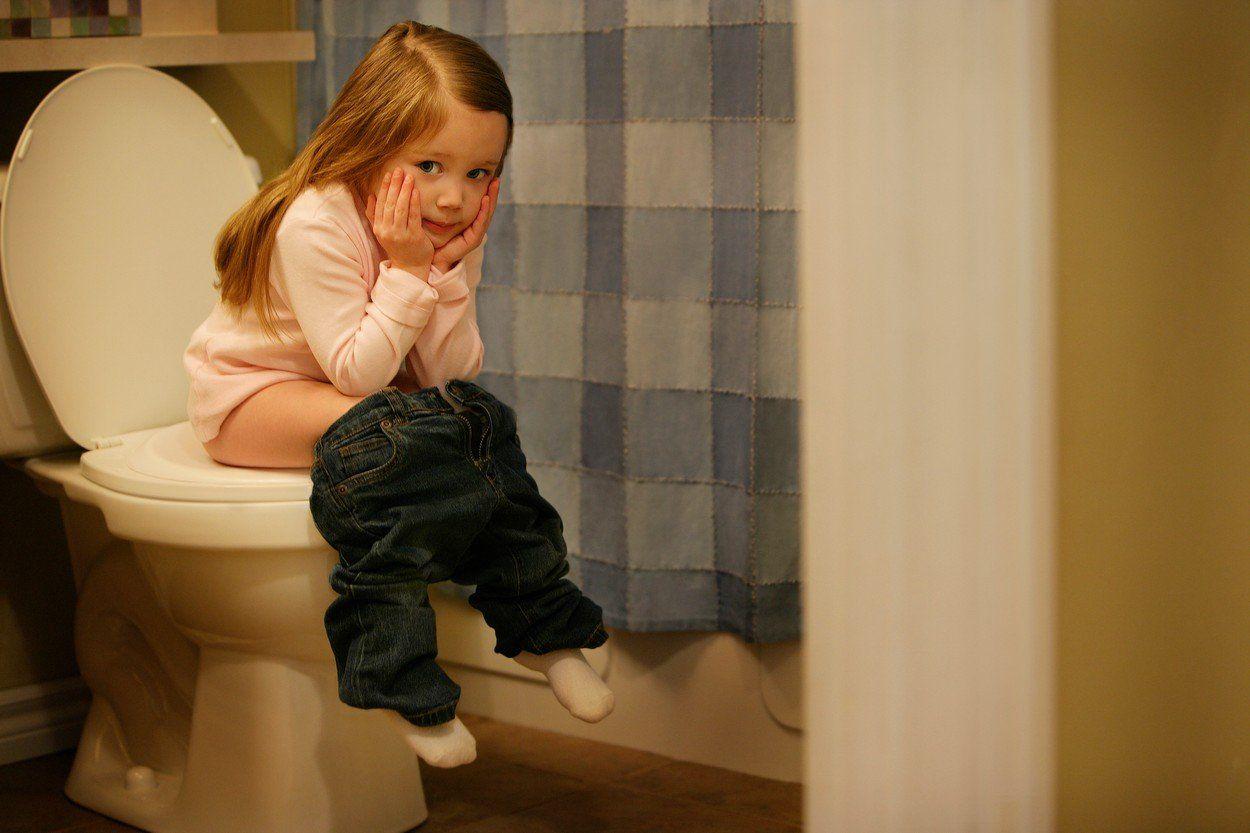 Dítě na toaletě
