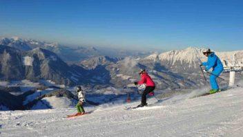 skiwelt_000913_familien-skifahren-in-der-skiwelt_christian-kapfinger_preview-352x198.jpg