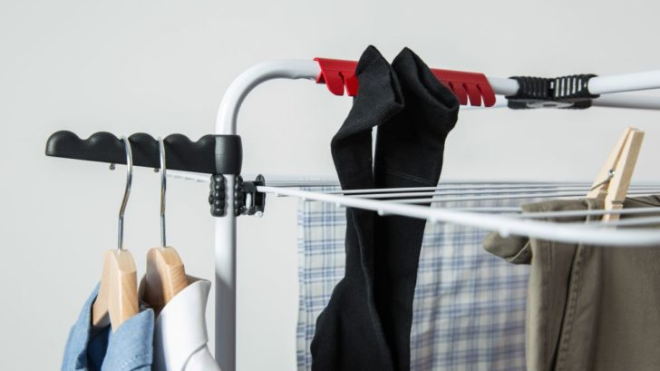 vileda_mixer-4_in-use_socks-hanger-728x409.jpg