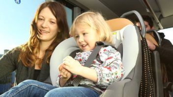 rsz_busride_safety_kid_seatbelt_mom-352x198.jpg