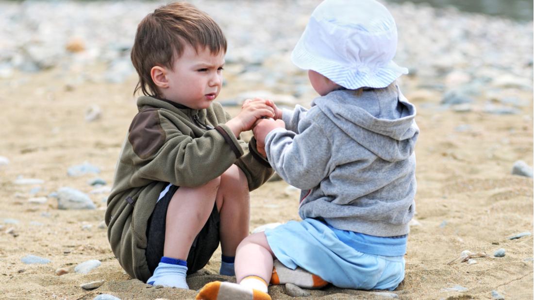 Děti na písku – agresivita