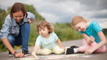 babysitting-352x198.jpg