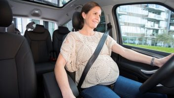 pregnant_fix_in_car_colour11-352x198.jpg