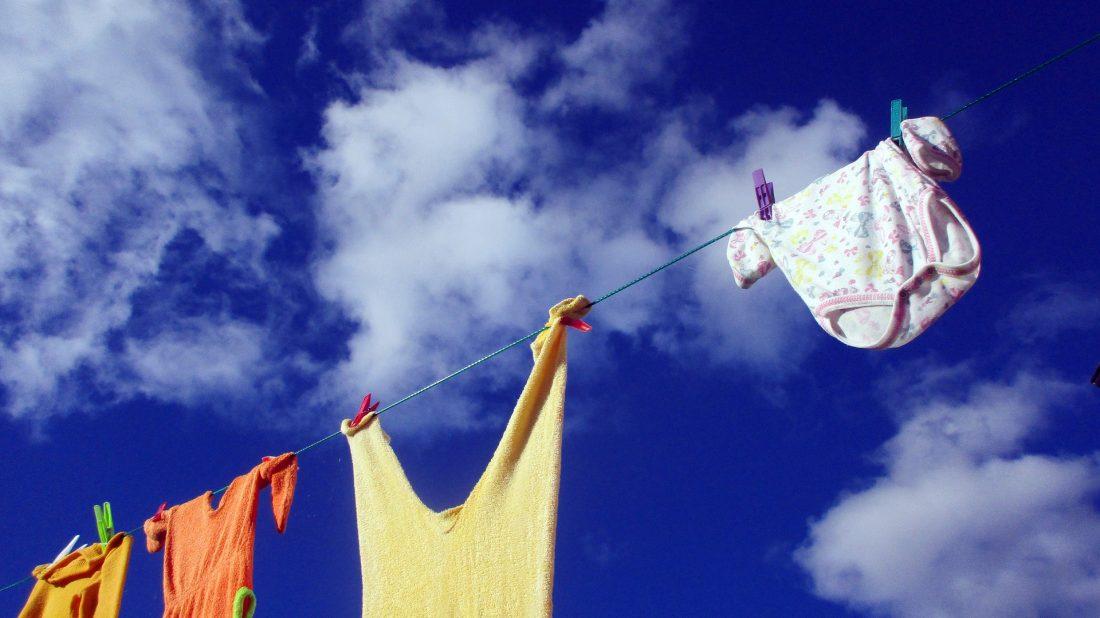 clothes-line-2205055_1920-1100x618.jpg
