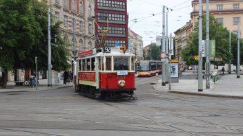 historicka_tramvaj_2-352x198.jpg