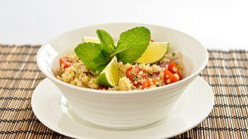 rc_0006_quinoovy-salat_02_2011_dsc_9092_web-352x198.jpg
