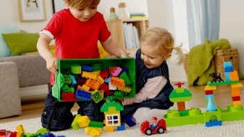 duplo_kids_1hy14_generic_bricks_02_-_copy_0-352x198.jpg