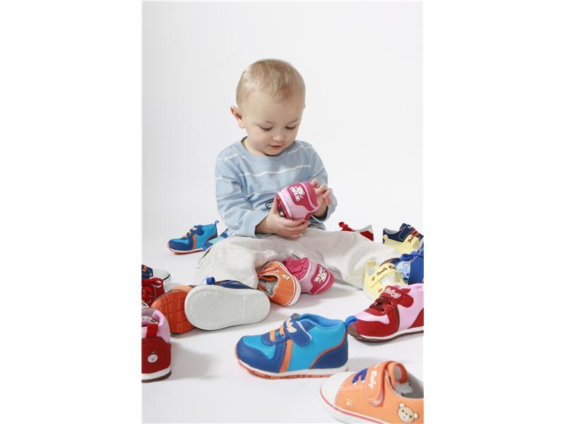 Kvalitní boty Farlin již od velikosti 10 a0a7c1de79