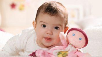 821770_baby_born_for_babies_maly_usinacek_na_mazleni1-352x198.jpg