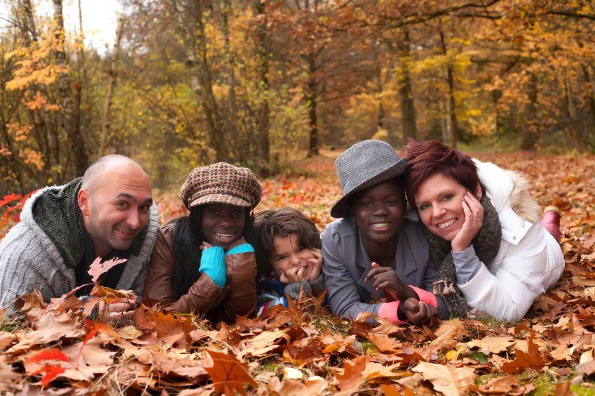 adopce_rodina_multietnicka_multilulturni_istock_000024101293small.jpg