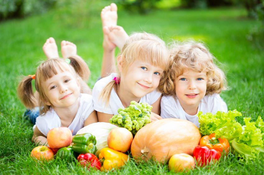 deti-zelenina-ovoce-zdravi-vitaminy-istock_000023041888small.jpg