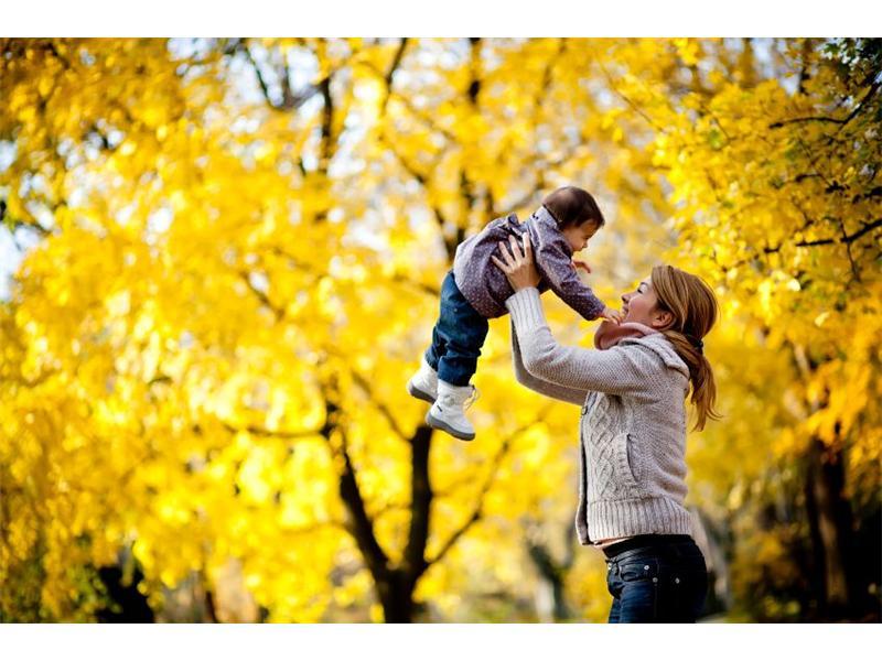 dite-matka-podzim-hra-pohyb.jpg