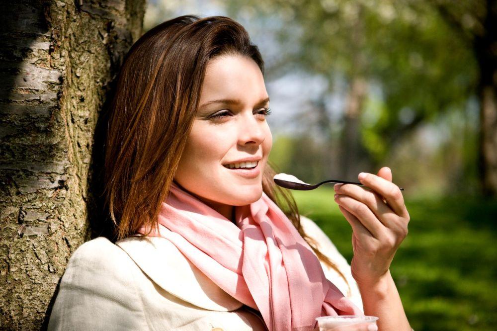 jogurt_zena_laktobacily_probiotika_vyziva_strom_profimedia-0082199284.jpg