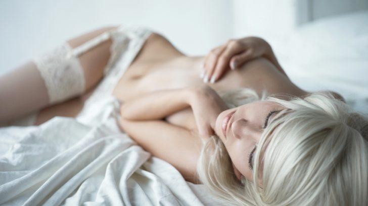 orgasmus_zena_masturbace_istock_000018980932small-728x409.jpg