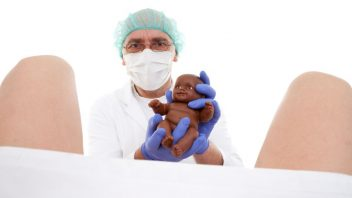 porod-gynekolog-istock_000016309444small-352x198.jpg