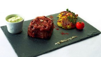 steak_wagyu_s_omackou_bearnaise-352x198.jpg