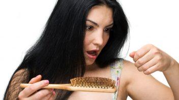 vlasy-padani-zena-hreben-istock_000012602061small-352x198.jpg